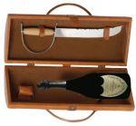 Cassetta Cuoio Con Sciabola Sommelier e Bottiglia Dom Pérignon