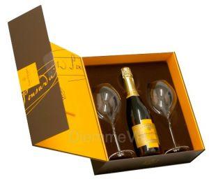 Confezione Champagne Vintage + 2 Bicchieri Veuve Clicquot Ponsardin