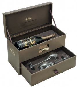 Confezione in Legno Champagne Cuvée Josephine e Calici Joseph Perrier